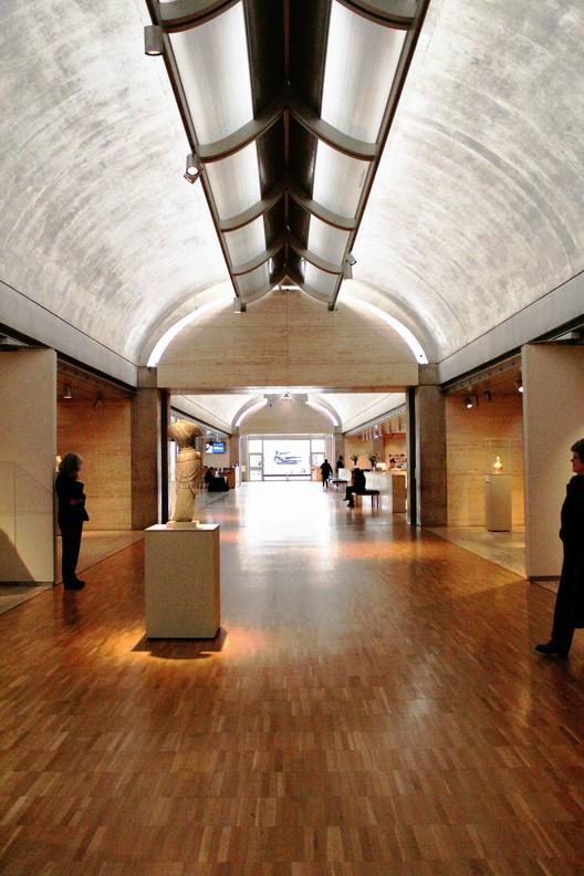 Museum Art Exhibit Visit Summary Essay - iWriteEssays
