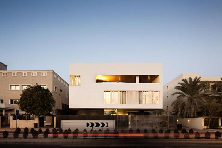 'Secret House' by AGi architects