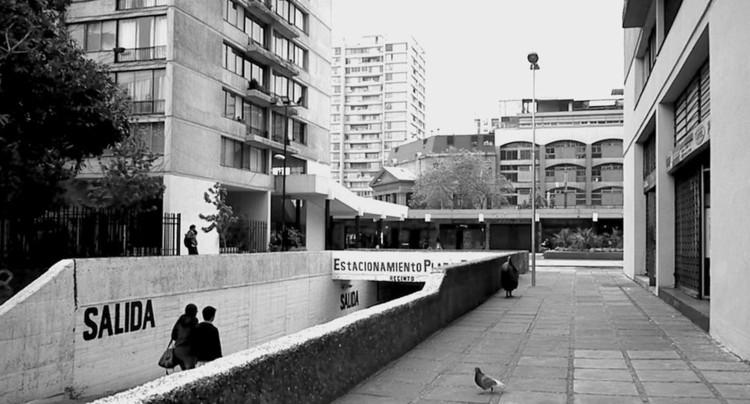 Promenade / Tomas Majluf, Enzo Vergara, Francisco Gatica