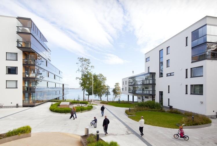 Housing in East Lauttasaari  / Arkkitehdit NRT Oy, © Antti Luutonen