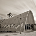 Iglesia de Pampulha. Arq. Oscar Niemeyer. Image © Usuario de Flickr: Bruno do Val benes