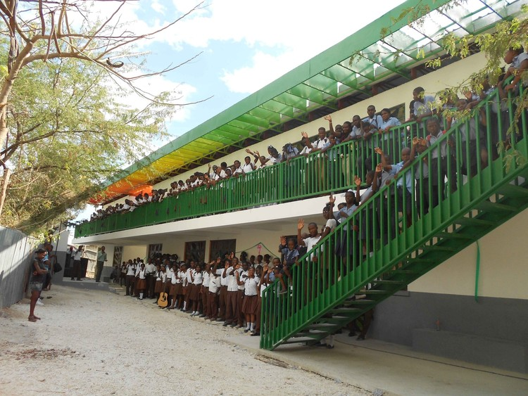 Collège Mixte Le Bon Berger – one of Architecture for Humanity's completed projects in Haiti. Image Courtesy of Architecture for Humanity