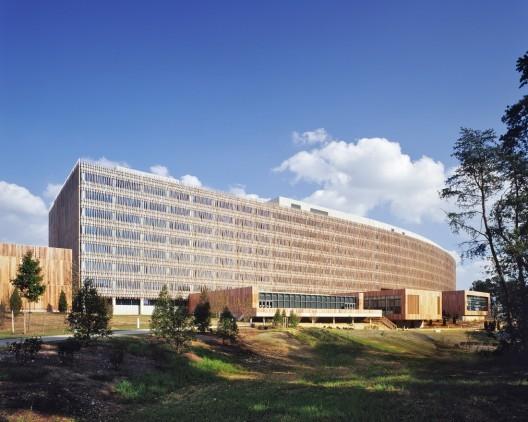 US Census Bureau Headquarters / SOM