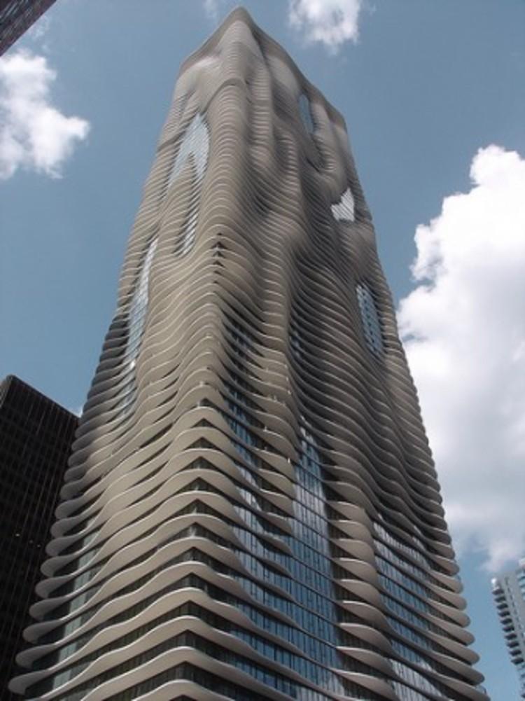 Aqua Tower by Studio Gang / © gshowman via flickr: http://www.flickr.com/photos/gshowman/