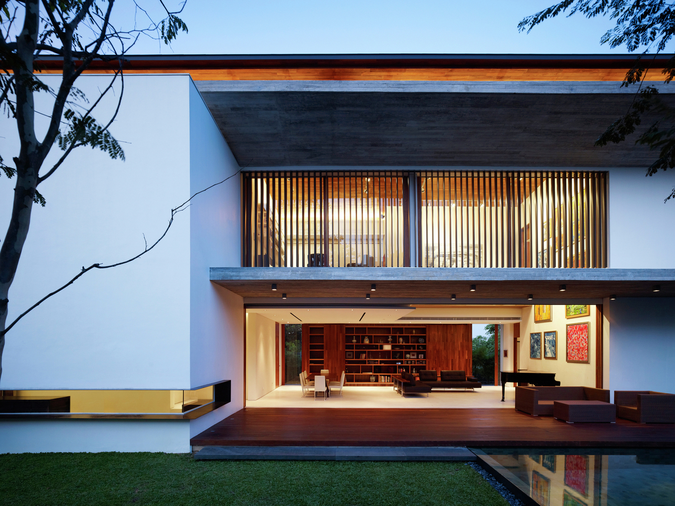 Modern tropical houses in singapore