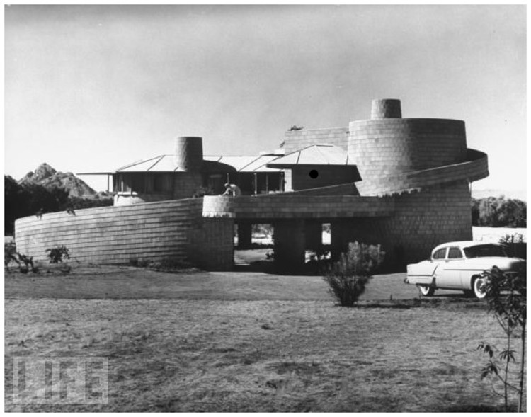 The David S. Wright Home in Arcadia, Arizona. Photo © Time, Inc. via the Frank Lloyd Wright News Blog