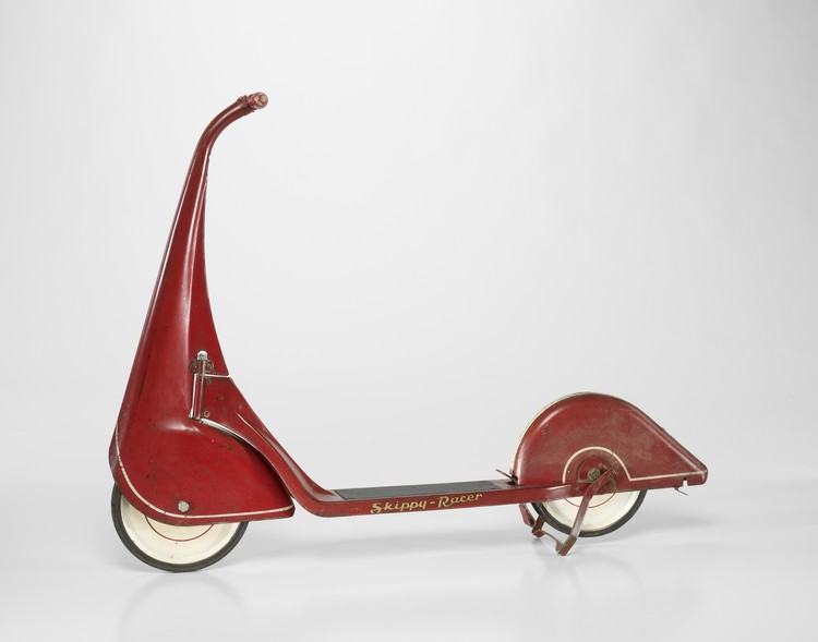 Skippy-Racer scooter. c. 1933 / John Rideout