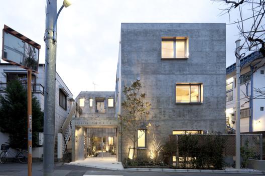 Yotsuya Tenera, Tokyo, Japan / Key Operation Inc / Architects © Toshihiro Sobajima