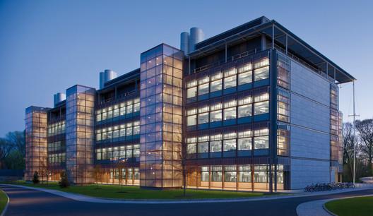 Frick Chemistry Laboratory, Princeton University, USA / Hopkins Architects © Morley van Sternberg