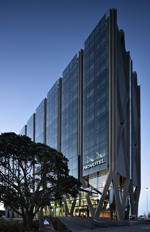 Novotel Auckland Airport by Warren and Mahoney Architects Ltd