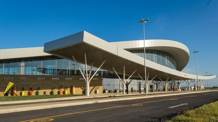 Aeropuerto Internacional de Nacala / Fernandes Arquitetos Associados, Cortesía de Odebrecht