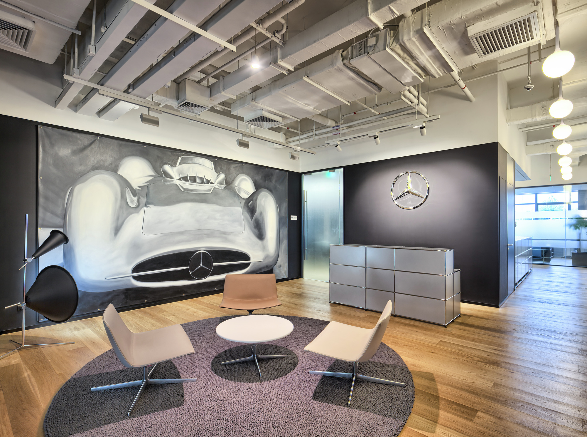 Gallery of mercedes benz advanced design center of china for Mercedes benz training center