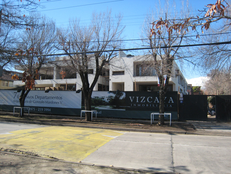 En Construcción: Edificio Tomás / Gonzalo Mardones V.