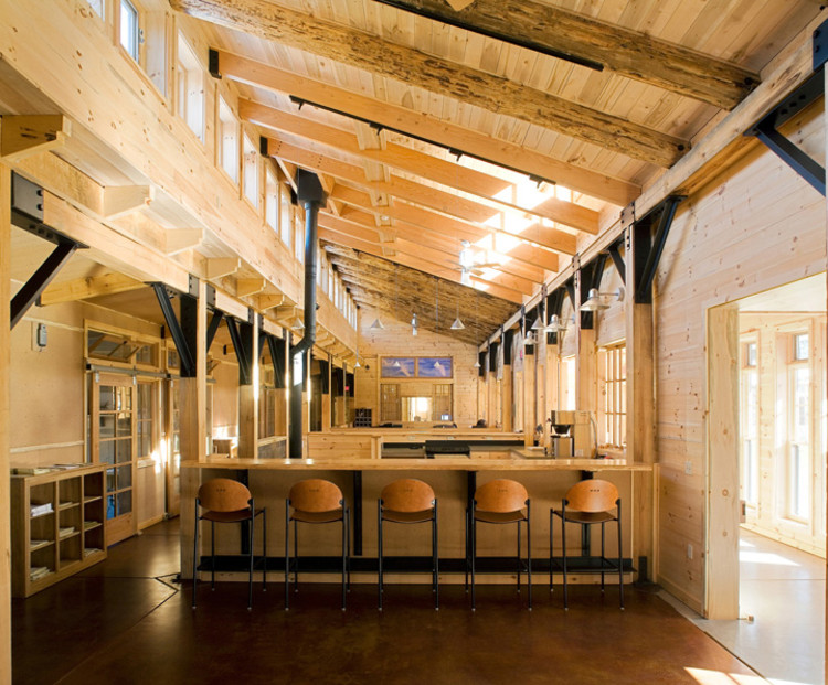 LEED Platinum: Aldo Leopold Legacy Center / Baraboo, Wisconsin /The Kubala Washatko Architects, Inc. (image courtesyMark F. Heffron / The Kubala Washatko Architects, Inc.)