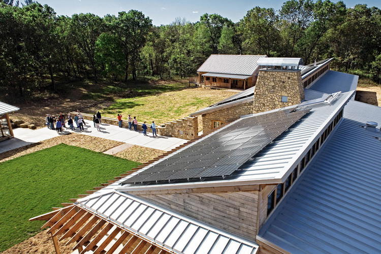 LEED Platinum: Aldo Leopold Legacy Center / Baraboo, Wisconsin / The Kubala Washatko Architects, Inc. (image courtesy Mark F. Heffron / The Kubala Washatko Architects, Inc.)
