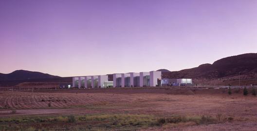 LEED Platinum:Water+Life Museum Campus/ Hemet, California /Lehrer + Gangi Design + Build (image courtesyBenny Chan w/ Fotoworks)