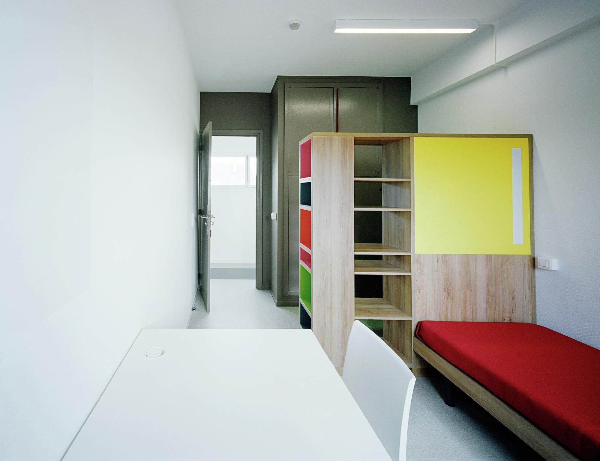 Galeria de resid ncia para estudantes reforma da casa for Chambre universitaire paris