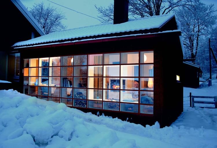 House at Dusk  © Visiondivision