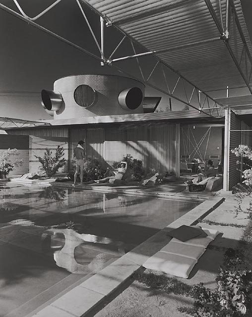 Frey House, 1953 Palm Springs, CA / Clark & Frey, architects  © Julius Shulman