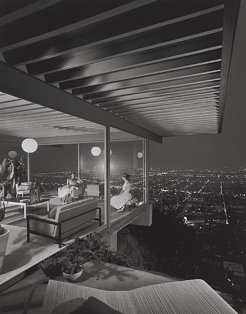 Case Study House #22, 1960 Los Angeles, CA / Pierre Koenig, architect   © Julius Shulman