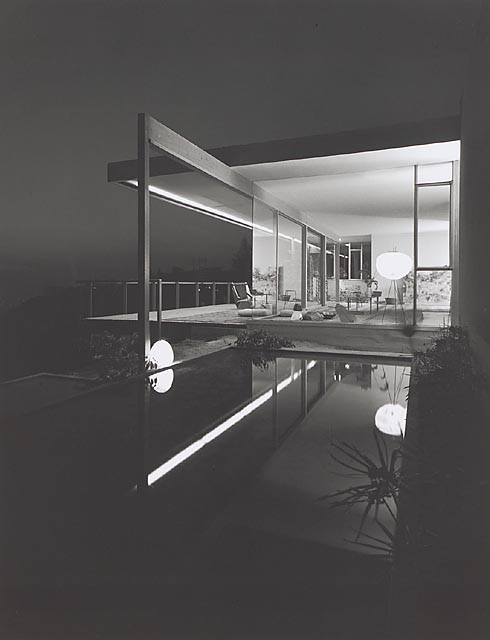 Chuey House, 1958 Los Angeles, CA / Richard Neutra, architect  © Julius Shulman