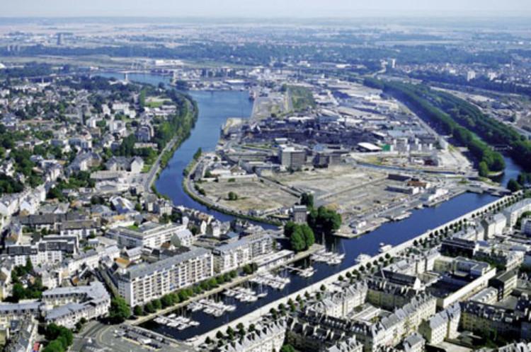 Caen tag archdaily for Piscine caen