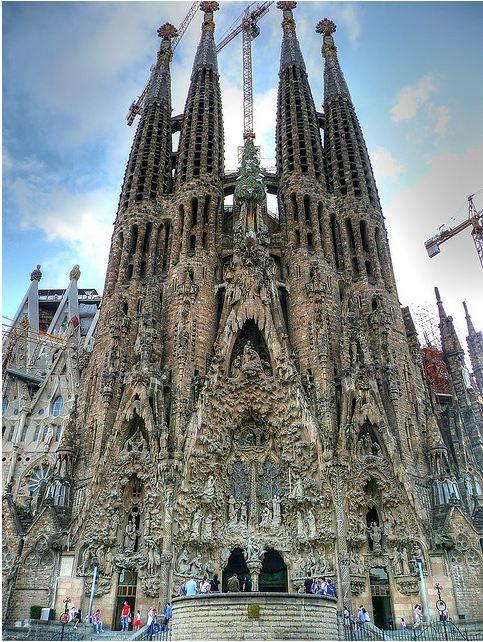 Pushing La Sagrada Família Forward  ArchDaily