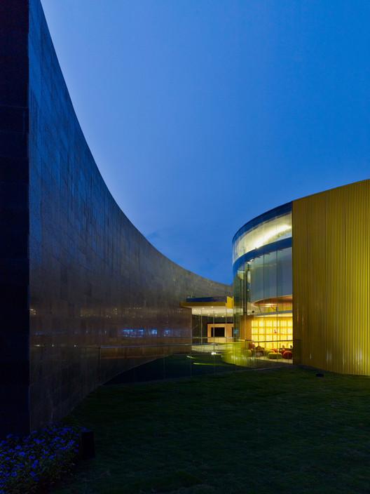 View of Patio © Yang Chaoying