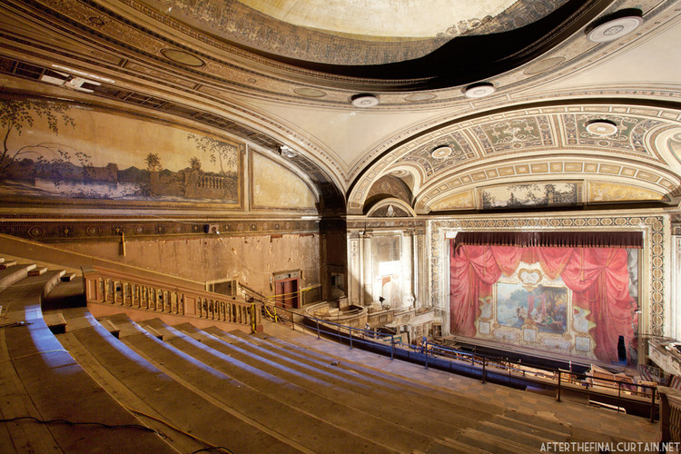 Loews Majestic Theater © Matt Lambros