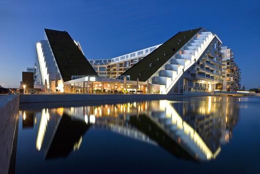 8 House by BIG © Jens Lindhe