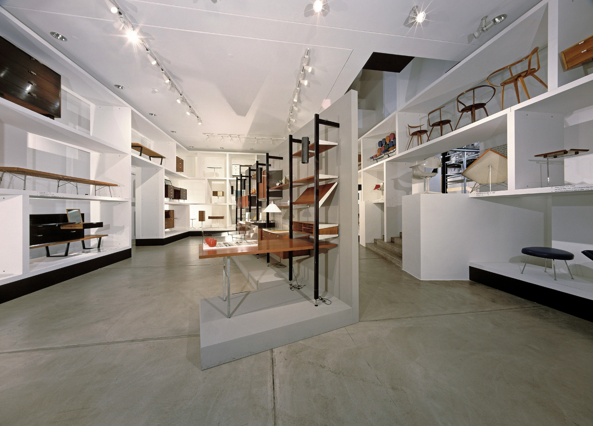 vitra design museum george nelson installation archdaily. Black Bedroom Furniture Sets. Home Design Ideas