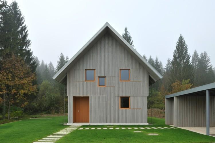House R by Bevk Perović arhitekti © Miran Kambič