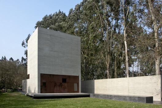 De la Piedra Chapel by Nomena Arquitectos + Ximena Alvarez © Ronald Harrison