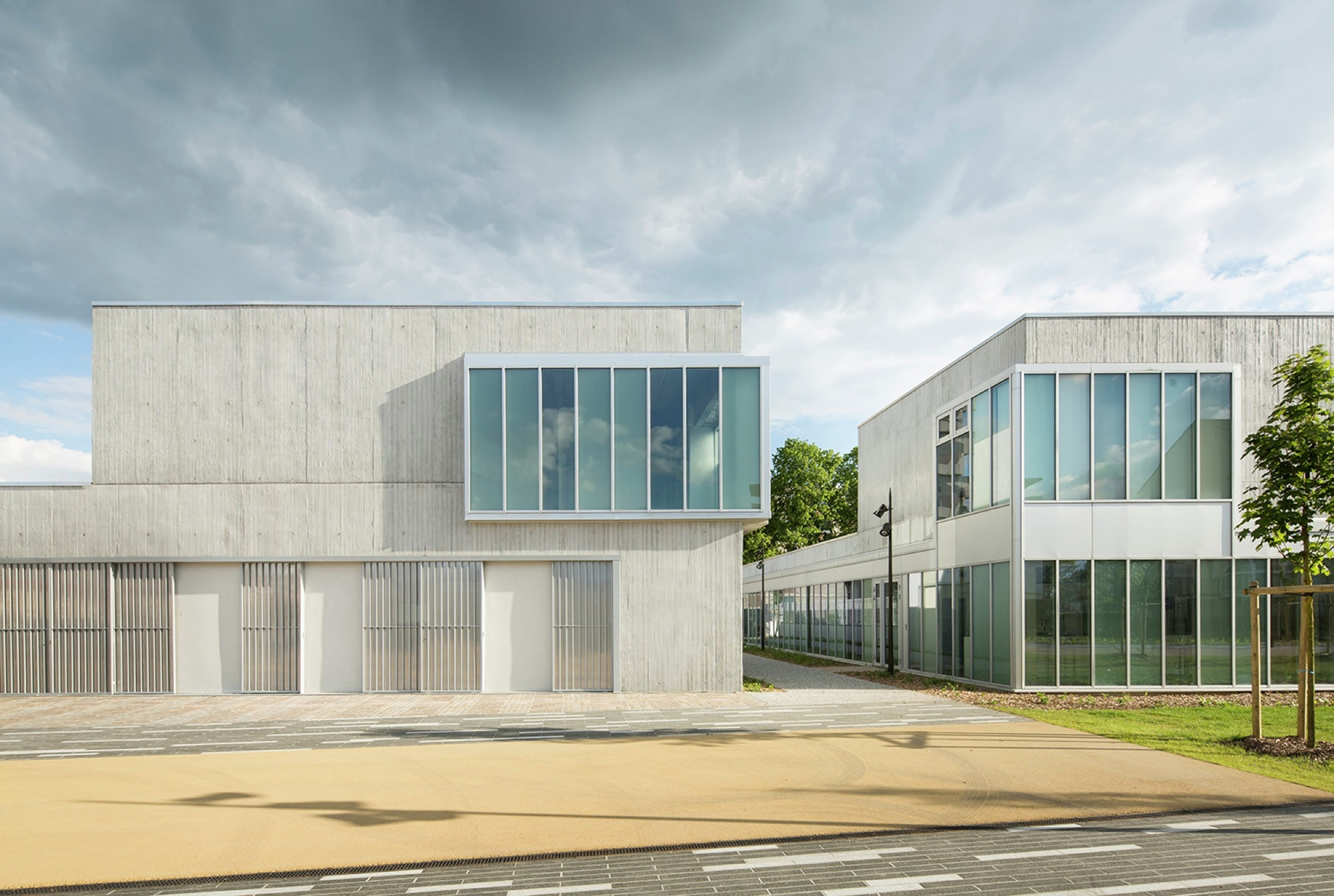Creil social center renovation nomade architects archdaily for Architecture nomade