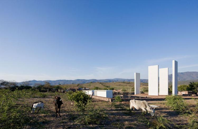 Gratitude Open Chapel by Dellekamp Arquitectos + Tatiana Bilbao @ Iwan Baan