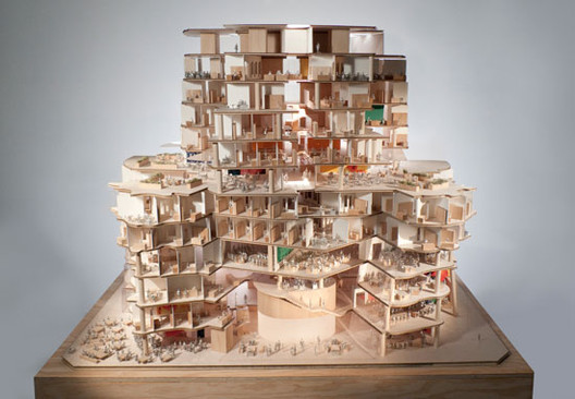 Section view of west elevation, model scale: 1-to-50 / Gehry Partners, LLP