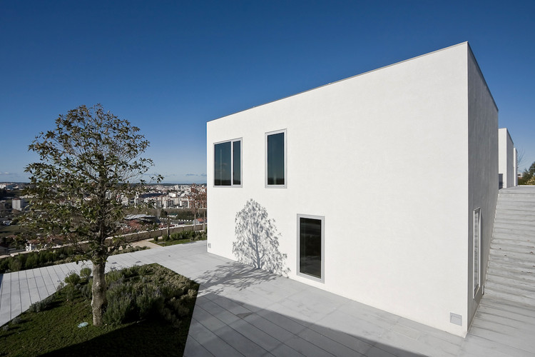 House in Pousos, Leiria / Bak Gordon