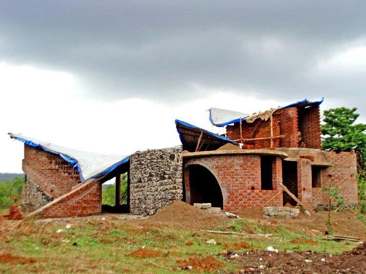 In progress brick house istudio architecture archdaily for I studio architecture