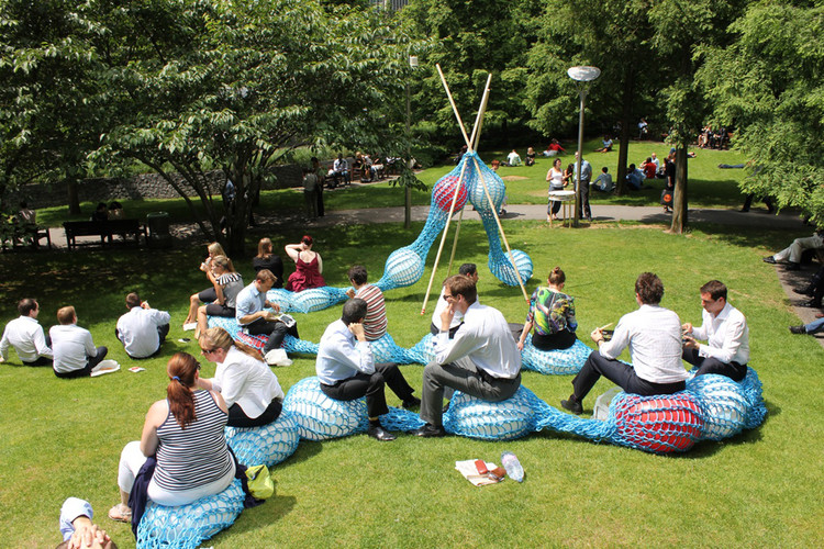Knitting Events London : Giant knitting nancy superblue design archdaily