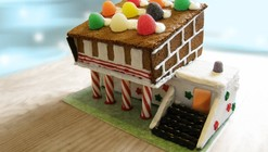 Hometta's Gingerbread House