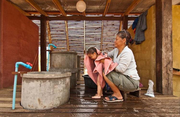 Baños Safe Haven / TYIN Tegnestue © Pasi Alto