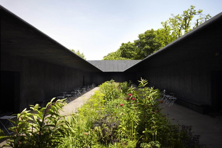 Serpentine Gallery Pavilion 2011, designed by Peter Zumthor. Photo by John Offenbach