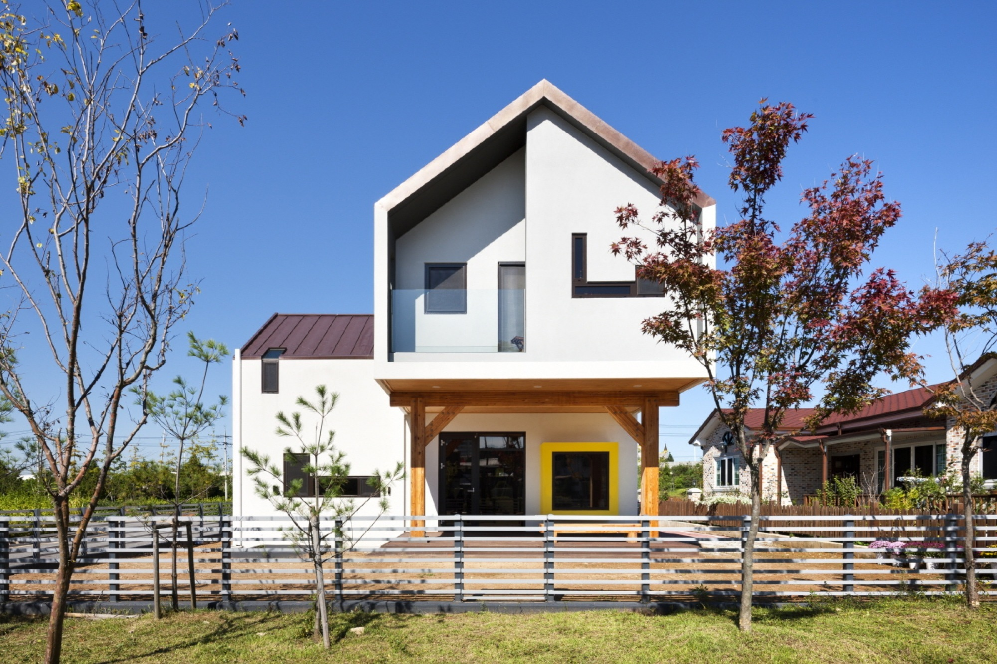 Gallery of Iksan T-House / KDDH architects - 1