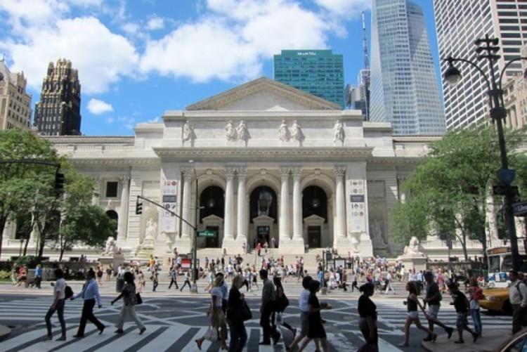 Mecanoo Replaces Foster on New York Public Library Overhaul, NYPL's main building on Fifth Avenue, is a Beaux-Arts masterpiece designed by architects Carrère & Hastings. Image © Flickr User CC wallyg