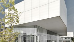 Saul-Bellow Library  / Chevalier Morales Architectes