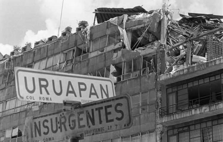 via adnpolitico.com. ImageCruce entre Insurgentes y Uruapan, Col Roma, 1985