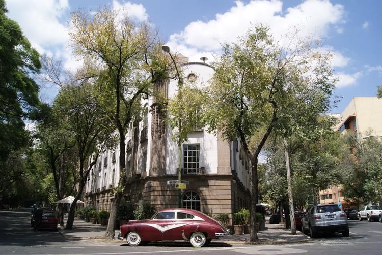 via ciudadanosenred.com.mx. ImageUnión entre calles Guadalajara y Veracruz en la Colonia Condesa