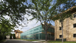 Cierre Piscina Embajada RPC / Townsend + Associates Architects