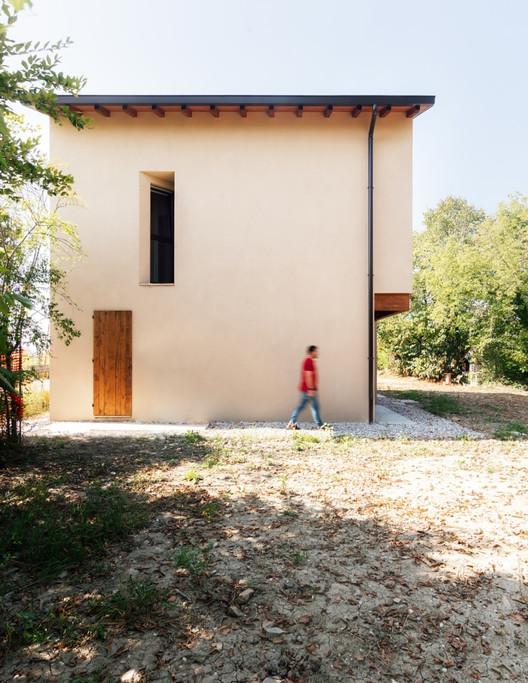 Casa en Novellara / KM 429 architecture, © Simone Bossi