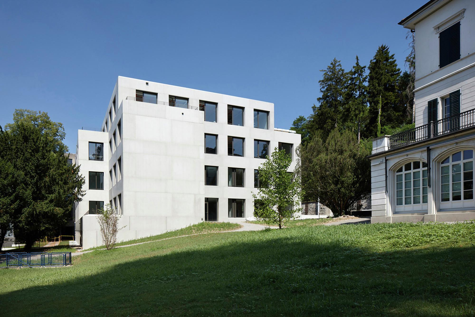 Kreuzb hl school extension fischer architekten archdaily - Fischer architekten ...